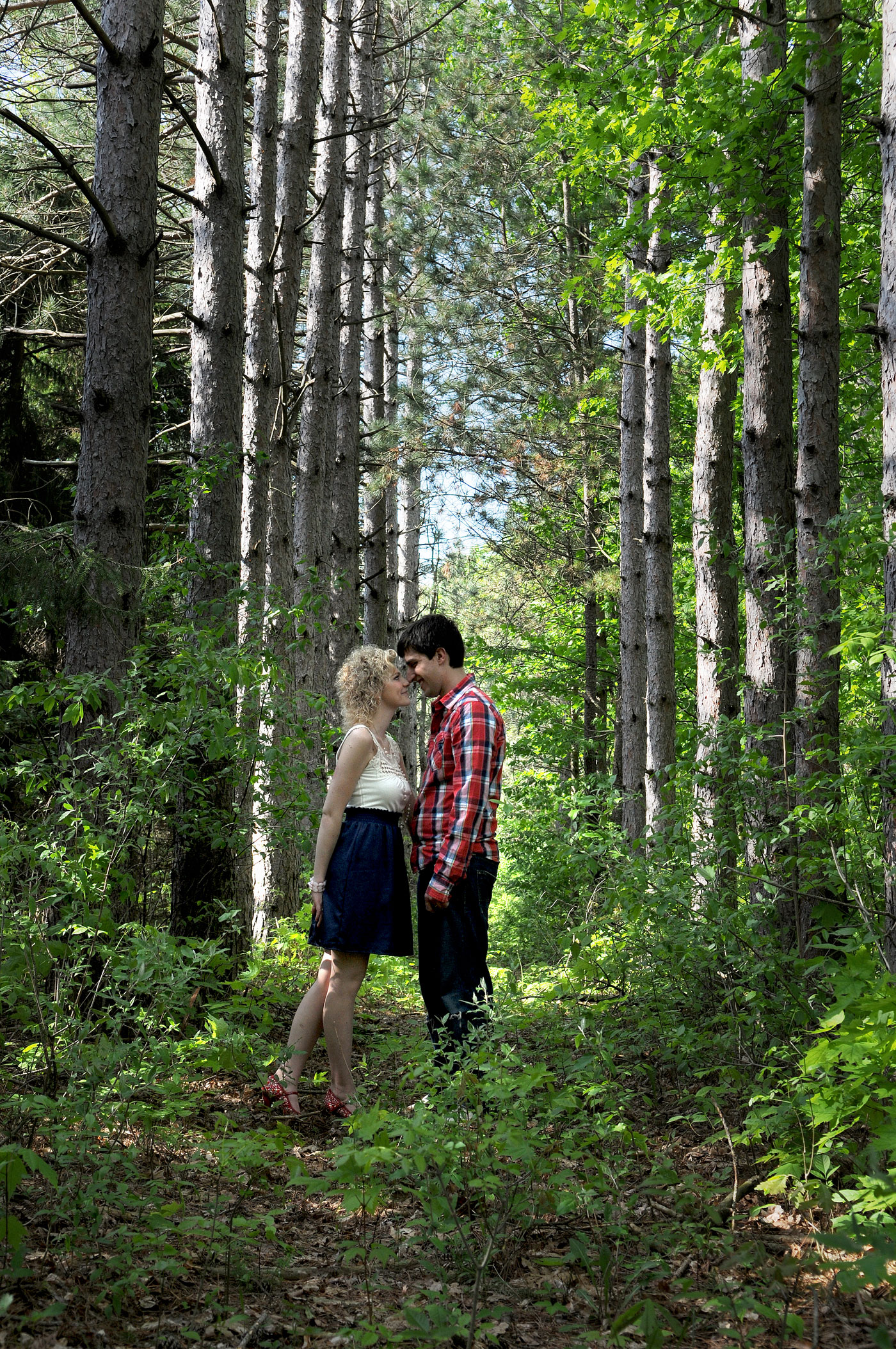 kaylen-aaron-engagement-country-st-clair-michigan-stunning-intimate-rustic-travel-9