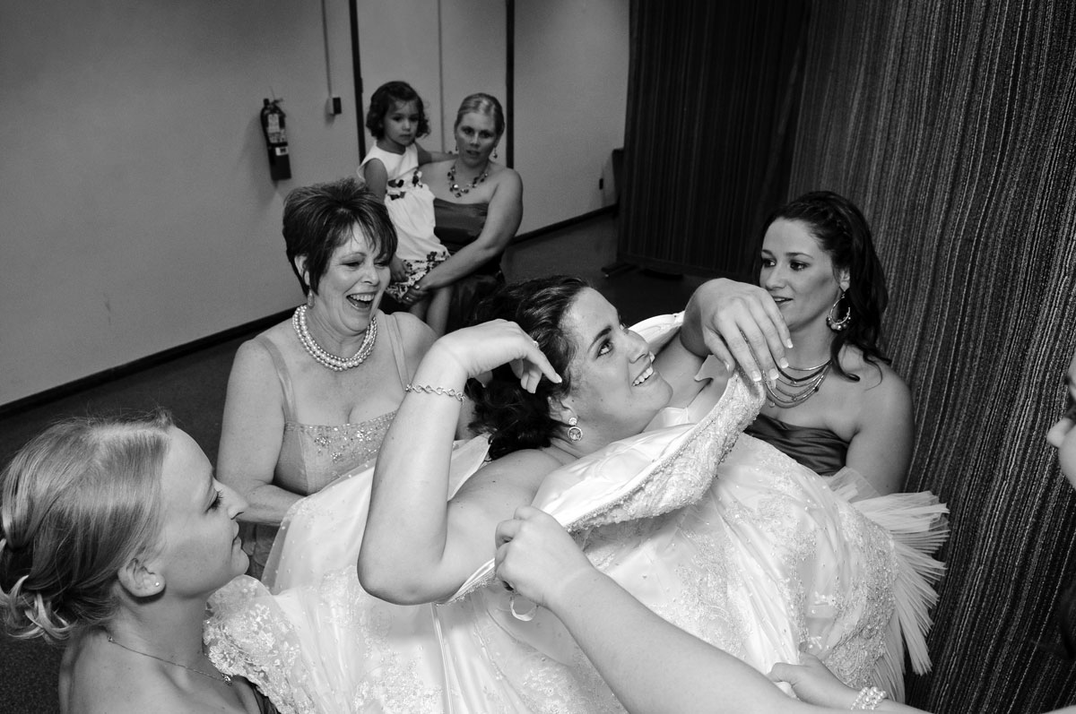 bride-dress-wedding-photography-bridesmaids-getting-ready