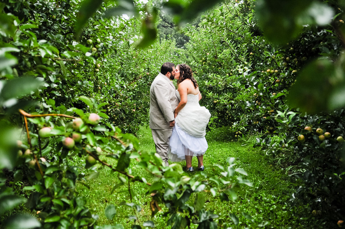 kiss-bride-groom-county-line-apple-orchard-indiana-bride-groom-love-sweet-tender