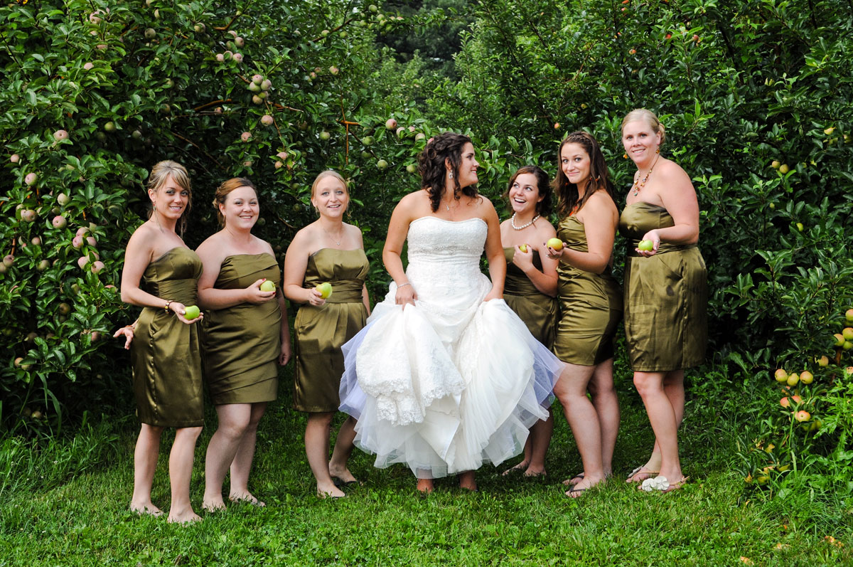 wedding-hobart-indiana-county-line-orchard-barn-best-friends-bride-bridesmaids-detail