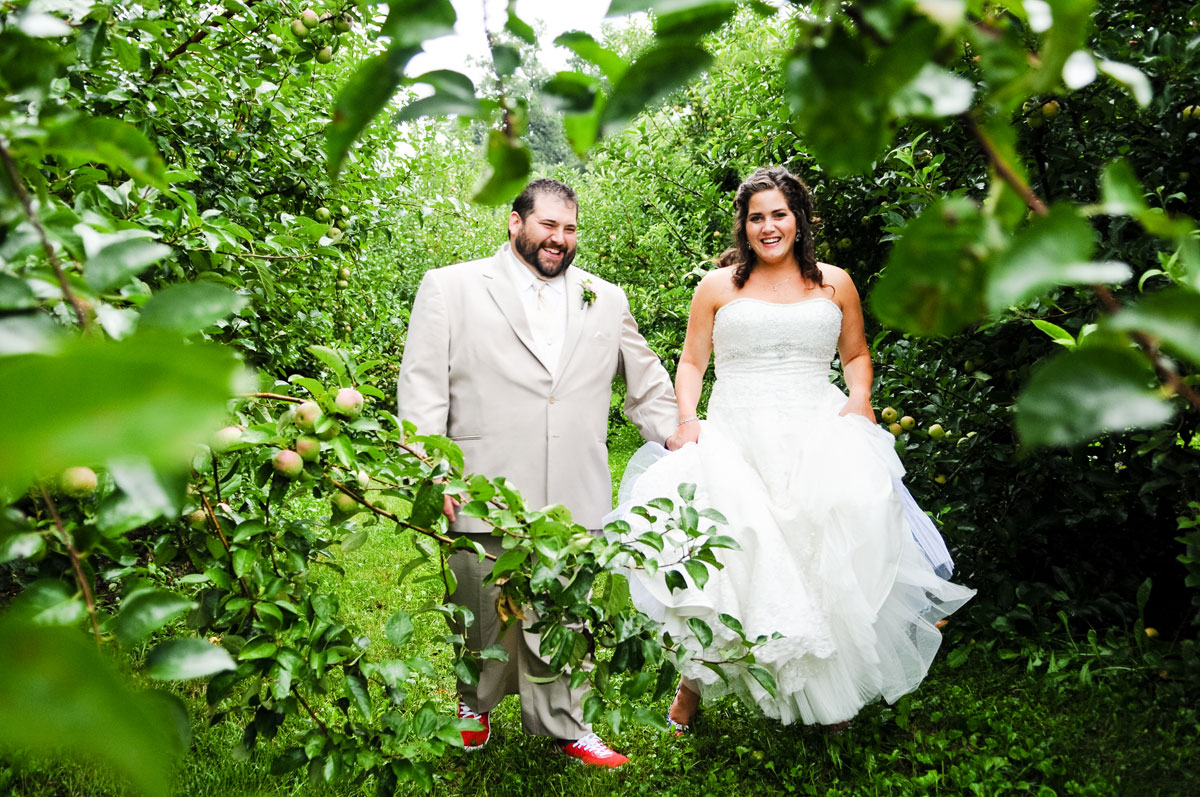 wedding-hobart-indiana-county-line-orchard-barn-bride-groom-bridal-portrait-love-intimate-moment-candid