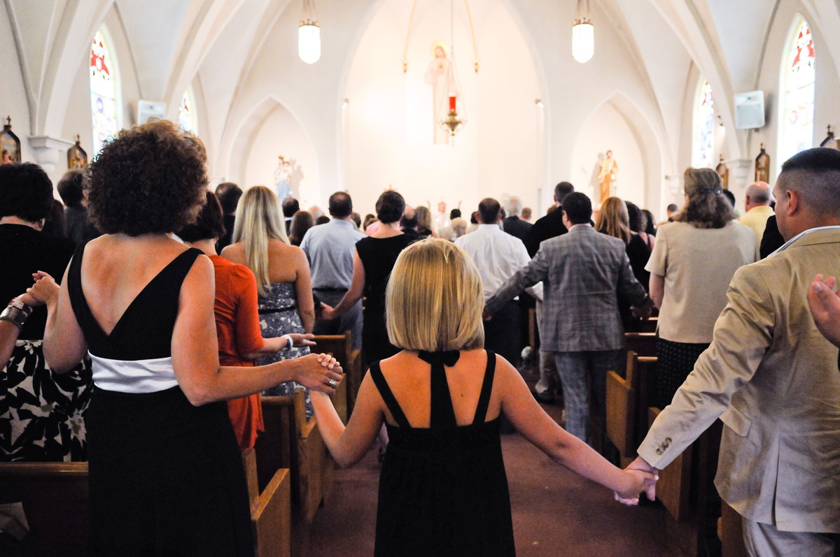 wedding-indiana-church-ceremony-guests-family-prayer-love-photography