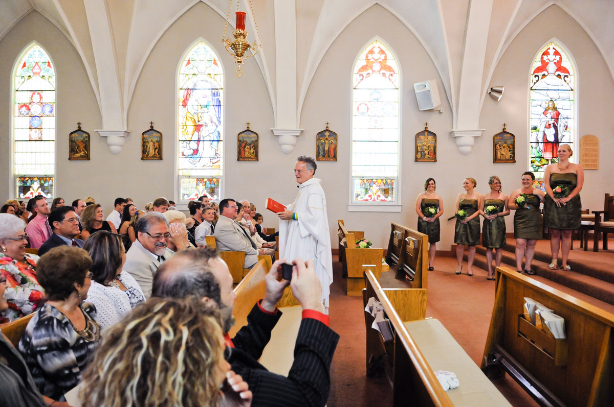 wedding-indiana-church-ceremony-guests-family