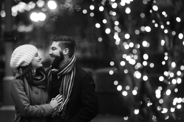 megan-collin-portfolio-feature-engagement-detroit-michigan-photography-outdoor-sweet-simple-joy-love-bride-groom-winter-christmas-campus-martius